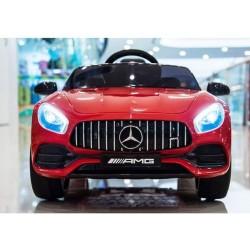 czerwony MERCEDES GT AMG...